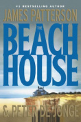 The Beach House [Large Print]