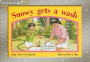 Snowy Gets a Wash