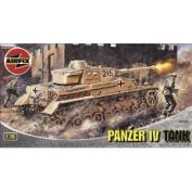 Airfix A02308 Panzer IV Tank 1:76 Scale Series 2 Plastic Model Kit