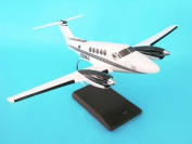 Daron Worldwide Trading H3332 B200 Super King Air (HOUSE COLORS) 1/32 AIRCRAFT