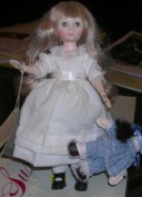 American Girl With Doll 20cm Suzanne Gibson