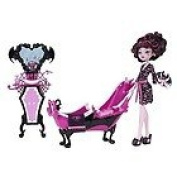 Monster High ToyShop Exclusive Draculaura Powder Room and Doll Set
