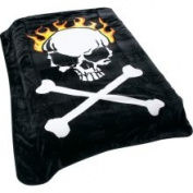 Wyndham House Skull and Cross Bones Print Blanket | GFBLK583