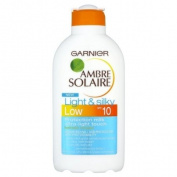 Ambre Solaire Light And Silky Sun Tan Milk SPF10 - 200ml