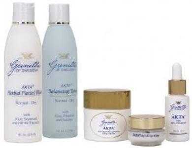 AKTA Normal/Dry Skin Care Kit