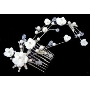 Crystal Elegant Beautiful Special Beaded White Flowers Pattern Roots Pearls Hair Comb