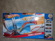 Hot Wheels Exclusive Figure 8 Raceway with 6 Cars