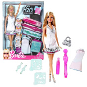 Mattel Year 2010 Barbie H2O Design Studio Series 30cm Doll Playset with Barbie Doll, 2 Outfits, Spray Bottle, Brush, 2 Stamps, 2 Stencils and Purse