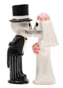 Love Never Dies Skeleton Kissing Magnetic Salt & Pepper Shakers