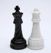 9.5cm Black King and White Queen Ceramic Salt and Pepper Pot Set