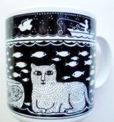 Primitives 330ml Cat and Fish Mug