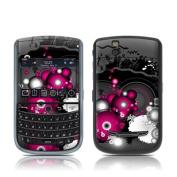 DecalGirl BBT-DRAMA BlackBerry Tour Skin - Drama