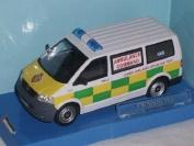VW Volkswagen T5 T 5 London Ambulanz Ambulance 1/43 Cararama Modellauto Modell Auto