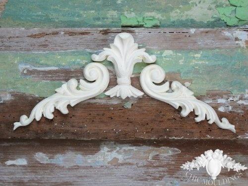 Shabby chic moulding applique baroque scrolls large fleur de lis