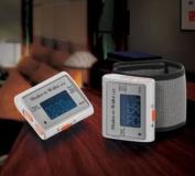 Shake N Wake Vibration Alarm digital alarm clock for wrist or under pillow silent alarm clock