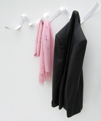 Headsprung Ribbon Coat Rack / Coat Hook White