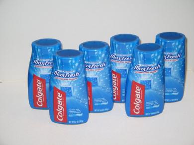 Colgate Maxfresh with Mini Breath Strips 140ml (6 Pack)