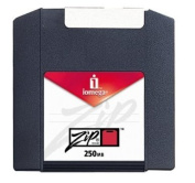 8PK Zip 250MB Pc Clamshell