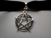 Classic Gothic Pagan Emo Plain Black Velvet 16mm Choker Necklace Chain With a 30mm pentagram