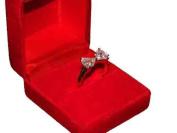 Klaritta Jewellery Gift Set Of Red Velvet Box & White Zircon Bow Gold Ring Medium Size O 17 mm Diameter FR30