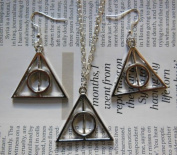 ISLAND GIFTS - Harry Potter Deathly Hallows Triangle Charm Pendant Chain Necklace & Earrings Gift Set