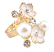 Blingalove White Flower and Pearl Ring