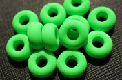 10 pcs Czech Glass Beads ESTRELA NEON (UV Active) Bagel 14x7 mm Green