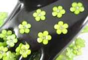 40Pcs Green DAISY Resin Flower Loose Flatback - 12mm - with crystals. Rhinestone beads - wholesale Lot supplies scrapbook jewellery crafts - embellishing Scrapbook Card weddings work hair clips headbands hats