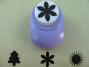 Scrapbooking Craft Paper Punch Medium Daisy
