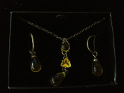 Avon Vibrant Glow Drop Necklace Gift Set - Yellow