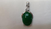 Oval Shape Green Faux Jade Inlaid Silver Tone Metal Coated with Faux Diamond Cut Crystal Pendant, Fashion Jewellery Pendant