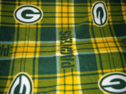 Green Bay Packers Plaid Fleece (150cm Wide) NFL Fleece for No Sew Quilts, Stadium Blanket, Jammie Pants, Fringed Throws - 1 Yard Cut