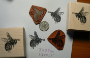 2 large bees Rubber Stamps P49c