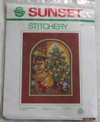 "Vintage 1981 Sunset Stitchery "" The Wonderment of Santa "" Kit - Designed by Charlene Gerrish"
