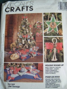 CHRISTMAS HOLIDAY ROUND UP SEWING PATTERN DESIGNED BY JAN SAVAGE : WREATH, GARLAND, TREE SKIRT, ORNAMENTS AND MORE - MCCALLS CRAFTS P490