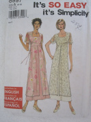 Simplicity Pattern 8997 Misses'/Miss Petite Dress Sizes 8-18
