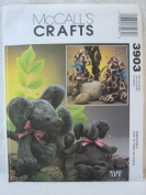 McCall's Crafts Carol's Zoo Pattern 3903 - Stuffed Elephant and Giraffe, Each in Two Sizes