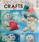OOP McCall's Crafts Pattern 3310. 23cm Angel Hugs Holiday Dolls & Boot, Hat & Box