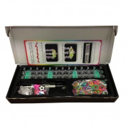 Royal Loom Band Kit includes 600 bands, 25 Clips & 6 Charms