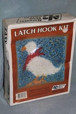 Dottie Goose - National Yarn Crafts Latch Hook Kit P423