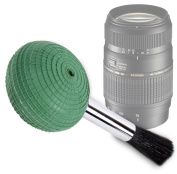 DURAGADGET High Quality Ultra-Fine Lens Blower Brush Cleaner For Tamron AF 70-300mm F/4-5.6 Di LD Macro 1:2 Nikon+Motor