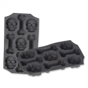 Beistle Beistle Skull and Bones Ice Mould, Grey