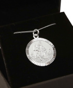 Small Sterling Silver St Christopher necklace. Hallmarked 925. With 46cm sterling silver chain.