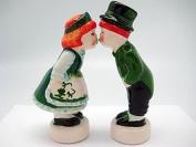 Irish Gift Idea Kissing Couple Novelty Salt and Pepper Shakers