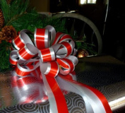 Red and Silver Striped Pull Bows with Tails - 20cm Wide, Set of 6, Christmas Ribbon for Gifts