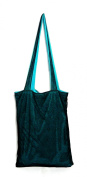 Green Chic Bag is a bag to bag reversible (2 bags 1) changes colour in 1 second. A shopping bag made of 100 % made in Italy