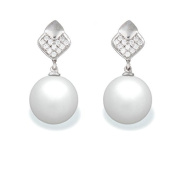 9 mm South Sea Cultured Pearl and 0.096 carat total weight diamond accent Earring in 14KT White Gold