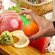 Bheema 2pcs Manual Juice Spray Lemon Juicer Set