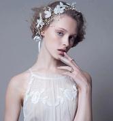 White Flowers Handmade Pearl Bride Bridal Wedding Accessory Hair Head Band Wear Headdress Headband Tiara Coronal Eyebrow Fall Forehead Chain
