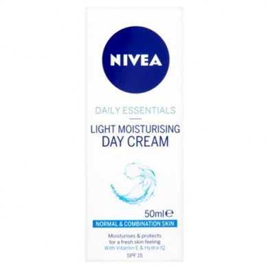 Nivea Visage Light Moisturising Day Cream SPF 15 - 50 ml, Pack of 3